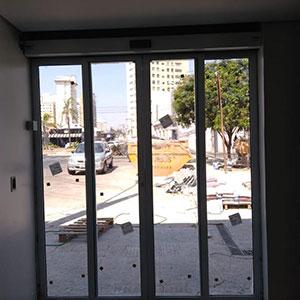 Instalação de Porta Automática de Correr de Vidro