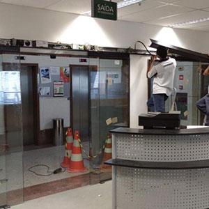 Manutenção de Porta Automática de Correr